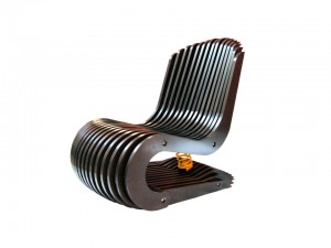 Cadeira de  Valchromat Arq. Felipe Protti