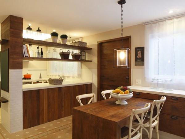 Toque diferenciado na decoração da cozinha, combinando com o laminado